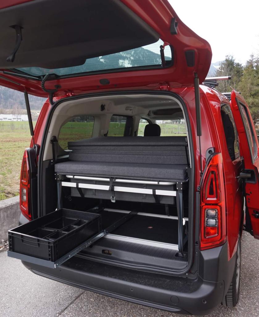 FRED-Bettsystem im Citroen Berlingo 3 mit FRED-Bettsystem und -Auszug, Bild: qubiq.at, Maximilan Baud